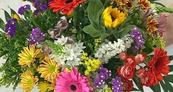 Ramo rosita fiuncho flores en santiago de compostela